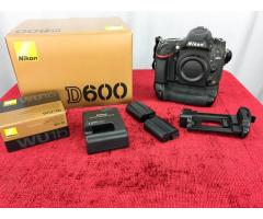 Nikon D600 body and battery grip